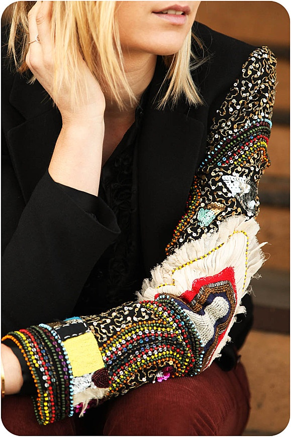 street look french blogger Artlex / fashion blog /haute couture jacket/christian Lacroix/black/embroidery