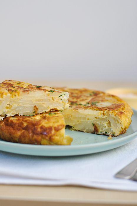 Tortilla Española (Spanish Potato Omelette) recipe from Trissalicious