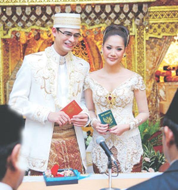 kebaya+pernikahan+modern