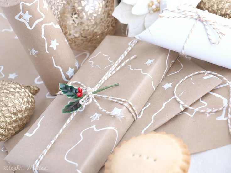 Blogmas Day 10 on Stephii Mattea: DIY Wrapping Paper