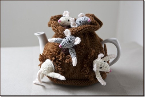 Just finished knitting the Sack of Mice Tea Cosy
