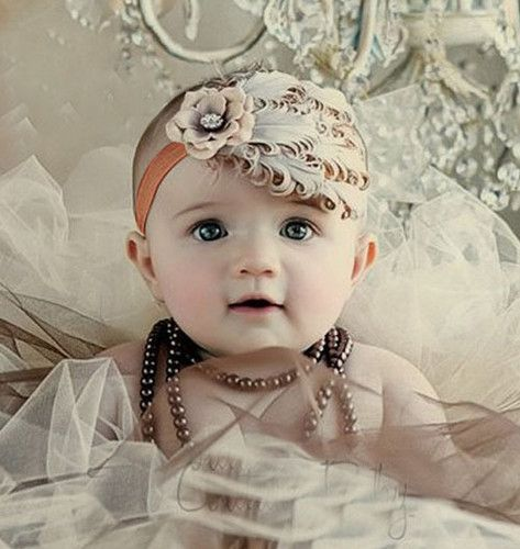 Sötaste hårbandet till bebis och barn, flickor. Prinsessliknande hårband med fjäder och strassten, Diabetes, Diabetesfonden