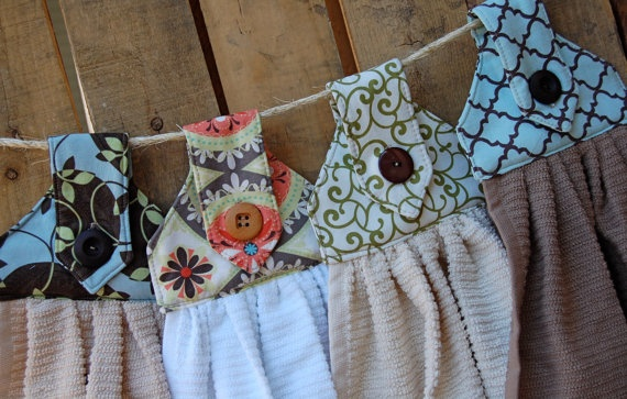 title | Hanging Kitchen Towels With Button Pattern