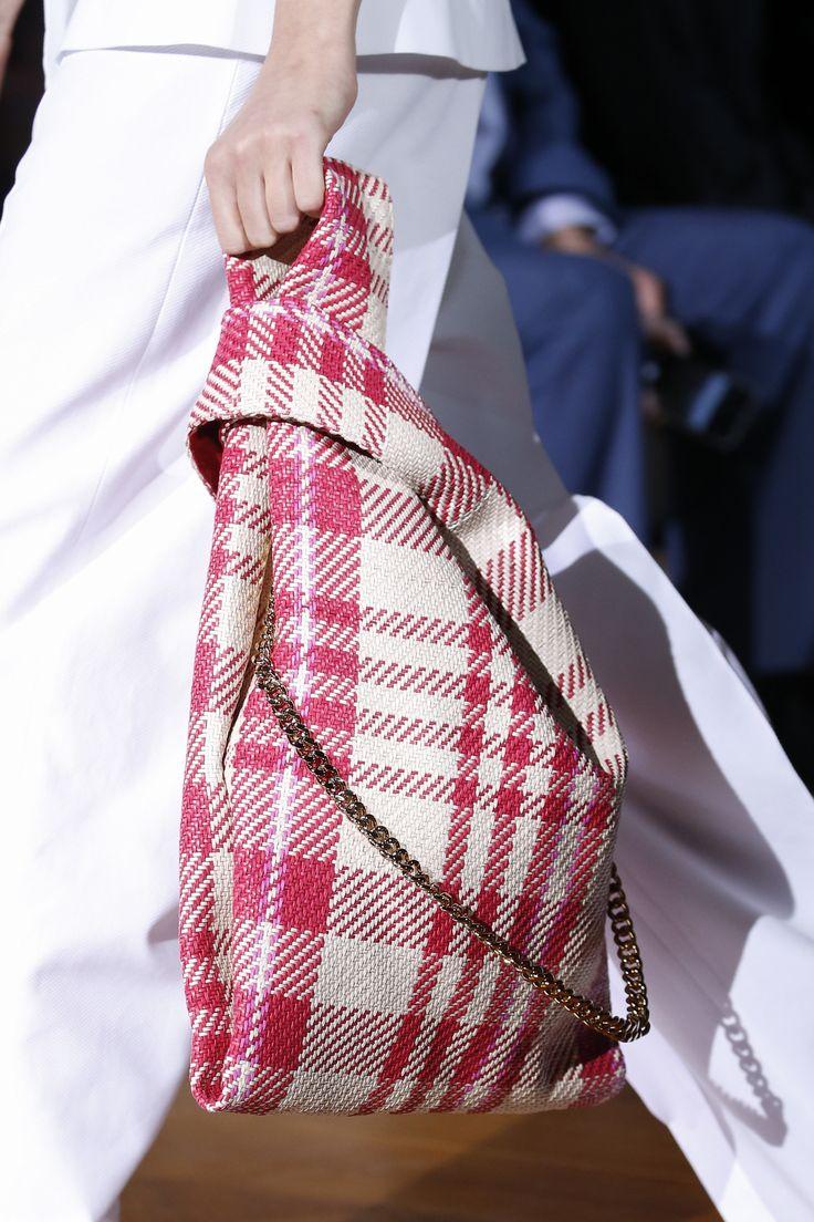 Stella McCartney Spring 2016 Ready-to-Wear Fashion Show Details