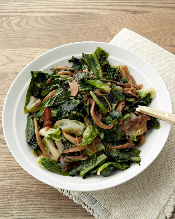 With a bittersweet and slightly peppery flavor, escarole is popular in Italian cooking. This recipe calls for it to be sauteed until meltingly tender, so it makes a most delicious side dish.Get the Sauteed Spicy Escarole Recipe