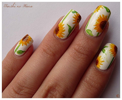 sunflowers ,unique nail design... LOVE SUNFLOWERS WOULD DEFINTELY WANT !!