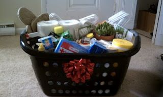 First apartment gift basket...will keep in mind for my friends that will be moving into their first apartments :)
