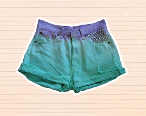 bonjour my cutie crafters ^-^    Who can resist these FAB dip-dye shorts?    You must must MUST check 'em out at: http://www.company.co.uk/fashion/DIY-dip-dye-shorts-tutorial?click=main_sr#