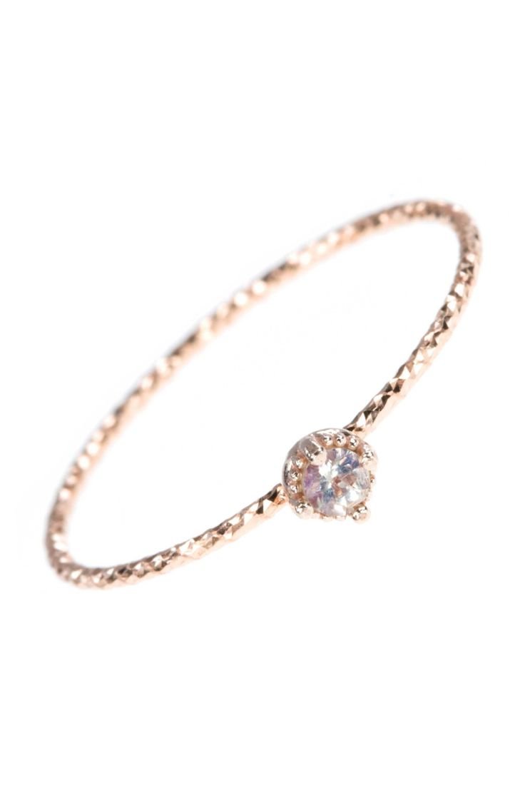we're in love with the extra-delicate overwhelming GRACE collection in 14k rosegold I NEWONE-SHOP.COM