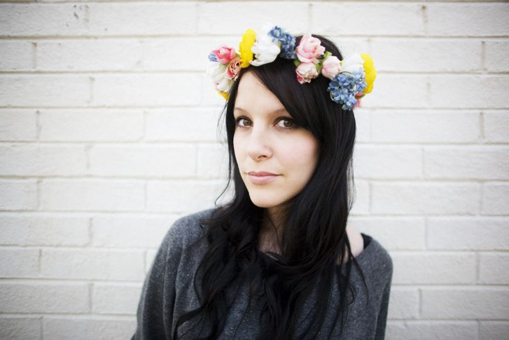 How to make a flower crown.: Diy Flowers Crowns, Flowers Headbands, Silk Flowers, Diy'S, Flower Crowns, Flowers Girls, Hair, Floral Crowns, Diy Flower Crown