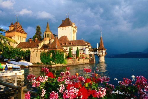 Oberhofen Castle, Lake Thun, SwitzerlandDreams, Travel Photos, Oberhofen Castles, Lakes Thun, Travel Tips, Switzerland, Places, Birthday Cake, Lonely Planets