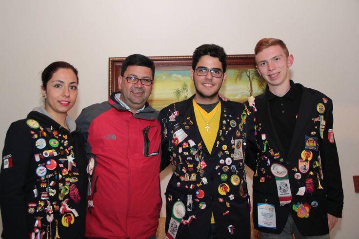Tio Henan Ramirez Lopez com Vinicius, Ivana e Daniel