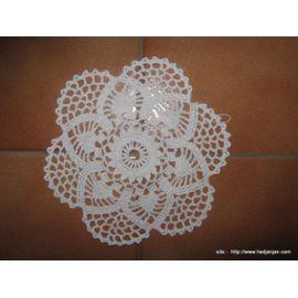 Napperon Crochet - Ref 0803 -3,00 Euros - Blanc - Diamètre 18 - Existe 2 Ex