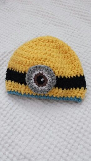 Crochet minion hat for baby