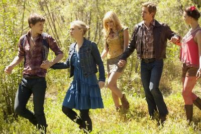True Blood Review: Sam I Am - Season 5 has been kind of off and on. I would agree that they have way too many characters and nobody cares about everyones backstory. But I am loving the Pam and Tara story.