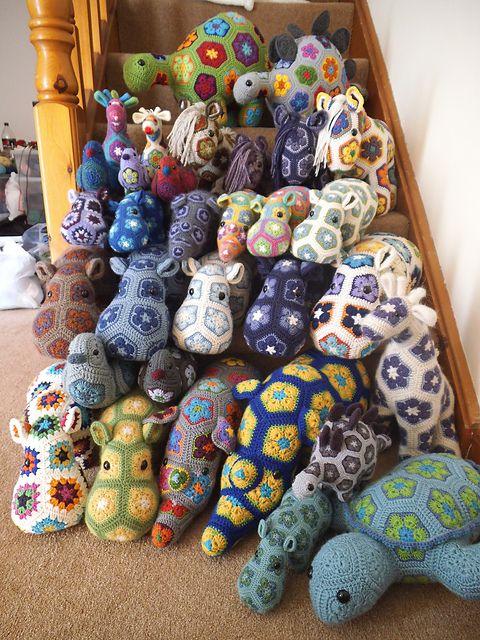 African Flower Amigurumi Free : 25+ best ideas about Crochet Hippo on Pinterest Crochet ...