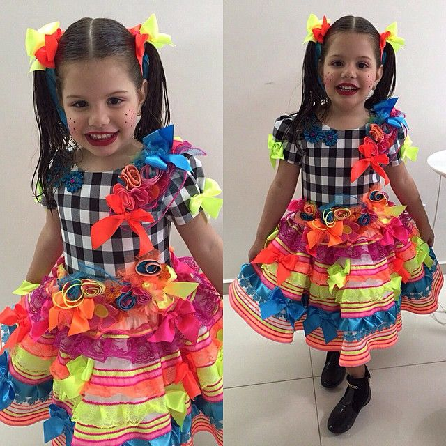 Clarinha, mais uma de nossas matutinhas lindas!  #atelierlydiaseabra #lydiaseabra #vestidodecrianca #vestidoinfantil #matuta #vestidocaipira #vestidodesaojoao #vestidojunino #festatematica #festadesaojoao #festajunina #handmade #feitoamao #saojoao #saojoao2015
