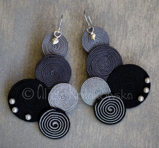 not crochet, is soutache jewellery but it would look great with crochet too.