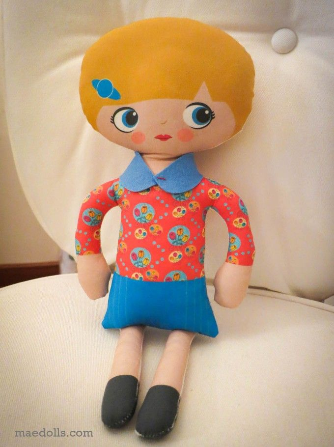 Freebie on MAE Dolls blog - make a cute, little collar!