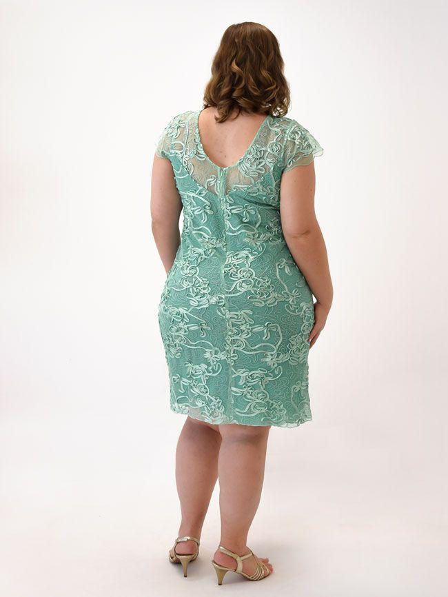 Vestido verde curto com tule