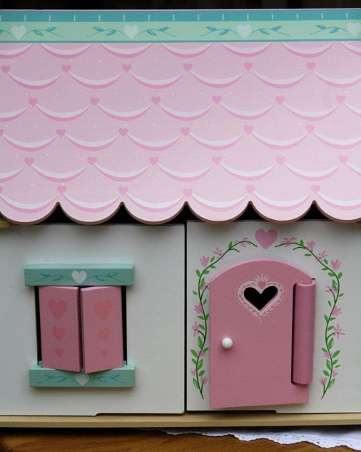 Lillys Cottage - Starter furniture set fully painted and decorated with heart motif, opening shutters and windows. – Size 44mm wide x 350mm deep x 425mm high