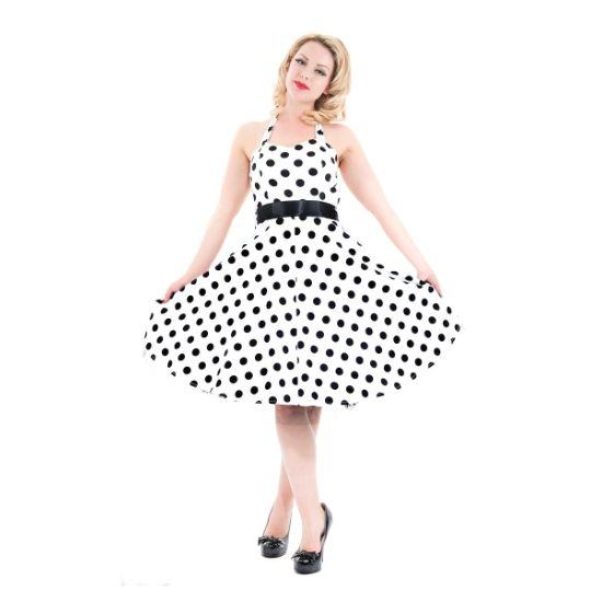 Šaty Ella White Black Polka Šaty ve stylu 50. let z londýnské dílny H&R London. Úžasné šaty vhodné po slečny do tanečních, na večírky, svatby či jen pro radost do vašeho šatníku. Bílý podklad se středně velkým, černým puntíkem, který nikdy nevyjde z módy. Vázačka za krk, v pase doplněné saténovou stuhou (volně upevněnou, lze snadno vyměnit za jiný pásek pro změnu outfitu), skrytý zip v bočním švu, vzadu gumička, aby šaty lépe seděly. Všitá podšívka ve spodní části našitý tylový kanýr, který…