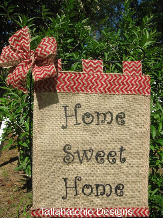 This Burlap Garden Flag with chevron trim will be a hit in your yard or garden!     Its available in 8 color choices. Please be sure & choose