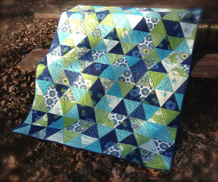 Triangle Quilt - gorgeous quilt by The Sassy Quilter, love this.  I love the colors.
