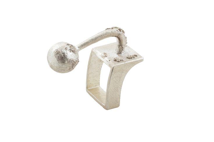 Ring signed by David Sandu - Contemporary Jewelry Design.