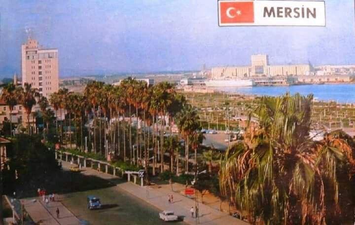 Mersin 1990 lar kuşa bakışı Cumhuriyet alanı..