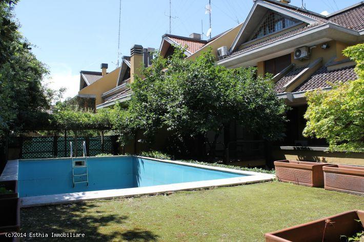 Bellissima villa in vendita a Milano San Siro