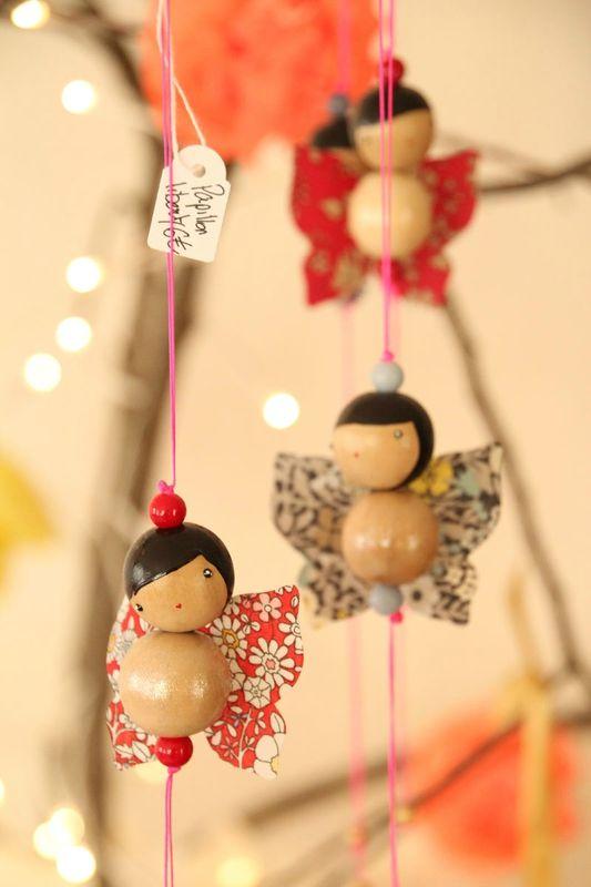 collier boules et papier fillette