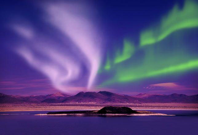 Aurora boreale nel Jasper National Park, Alberta, Canada