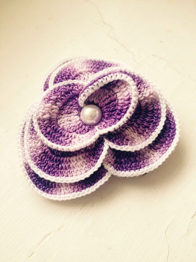 Lilac and white pearly crochet flower