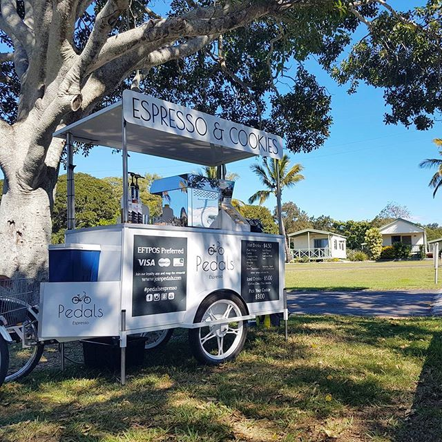 We had a visit with Pedals Espresso Bargara, they were set up in the nicest little spot underneath a shady tree between the camping spots & the beach not to mention near the cutest little park :)
