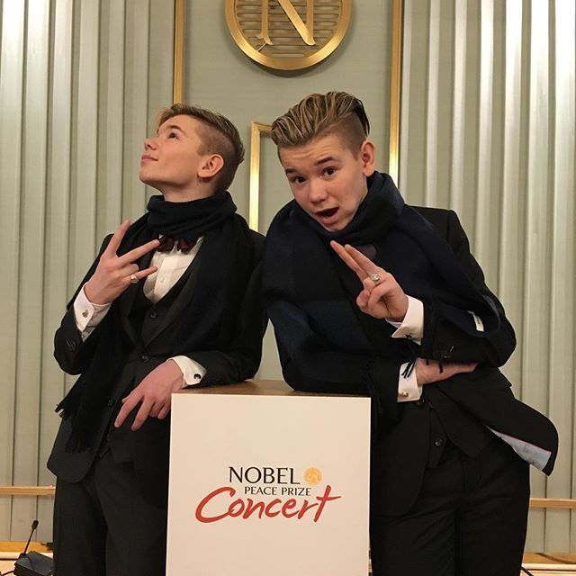 We are soon ready for the big The TVshow Nobel peaceprice! It broadcasts to over 100 countries!! We're so excited!!peaceisloud #marcusandmartinus #nobelpeaceprize #together