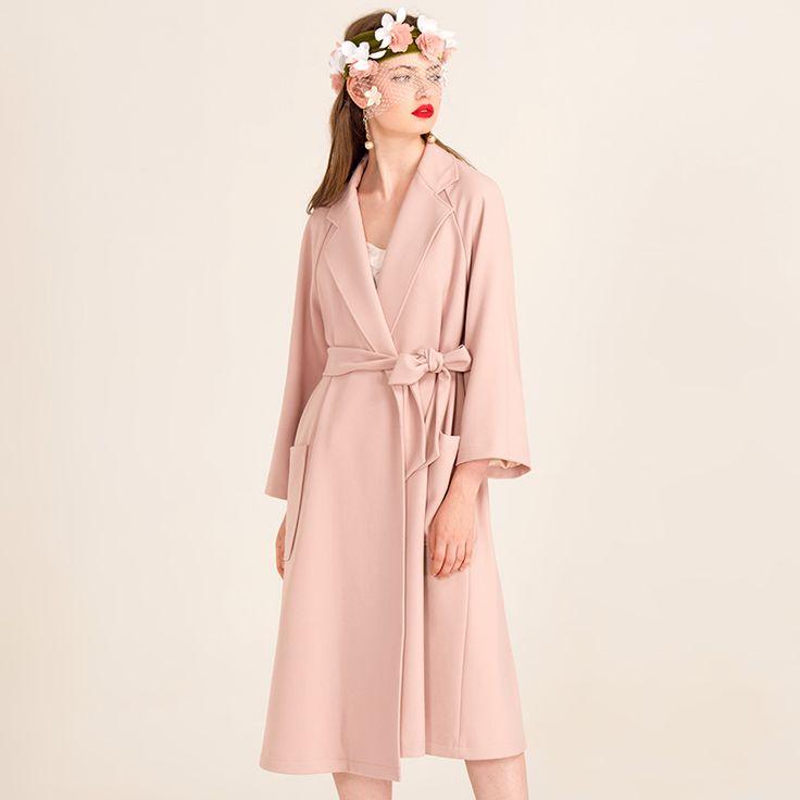 YIGELILA Бренд 9426 Последние Осенние Новых Мужчин Элегантный Пояс Розовый Плащ купить на AliExpress