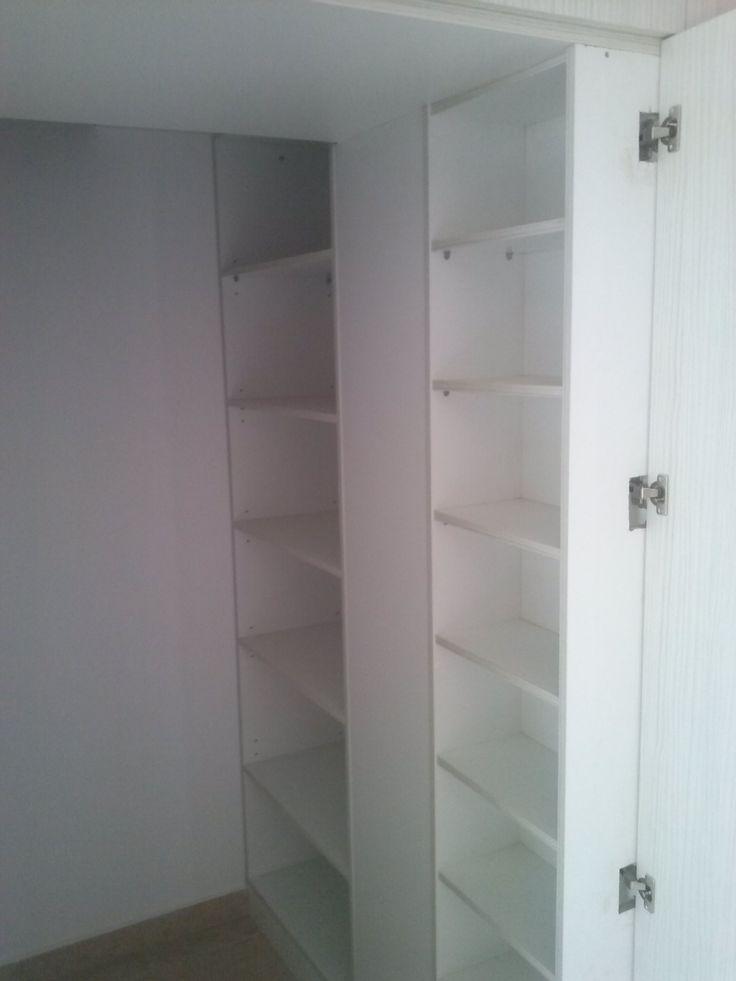 κρυφή ντουλάπα