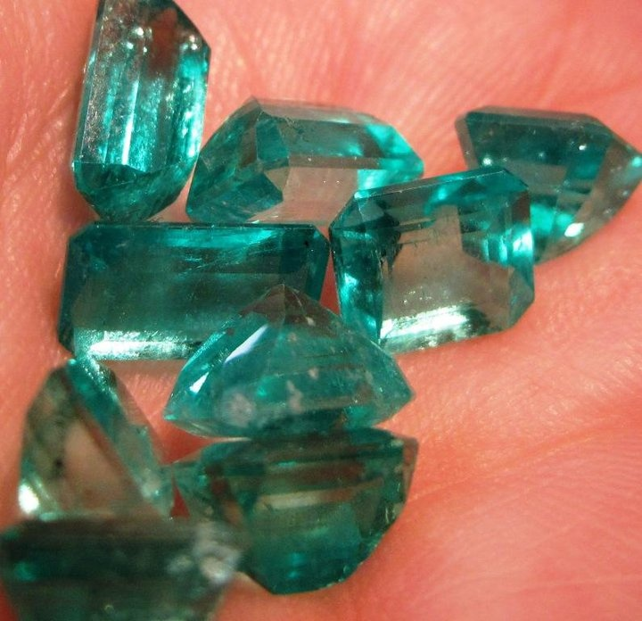 Colombian emeralds Gems and minerals, Minerals crystals