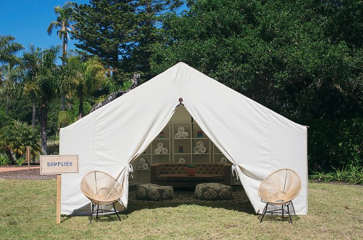 A classic canvas box tent available unfurnished or with lounge tent, kitchen tent, dining tent, or getting ready settings including furniture, rugs, vanities, and accessories. Seating for 12-14. Sized at 14′ x 18′ x 9′. Check out all of our event tent rentals at Shelter Co.