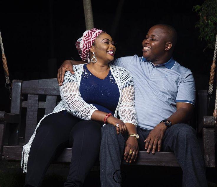 Love bird . . . Co-photographer: @sururphotography Assisted by @salihu_jnr . . . . . . . . . . . . . . . . . . .  #Mkphotography4 #bellanaija #naijaweddings #asoebi #owanbe #styleblogger #lifestyleblogger #beautyblogger #potd #weddings #naijalifemagazine #beautifulgirls #ladies #abuja #africanskillingit #africanqueen #africanpride #ankara #traditional #nigeria  #queening #beautiful #fashionista #slay #slayer  #trend #traditionalweddings #africansweetheartweddings #africa #Pretty