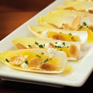 El chef José Andrés nos ha preparado una suculenta receta ideal para estas navidades. Endivias con Naranja; rápido, fácil y muy, muy rico.