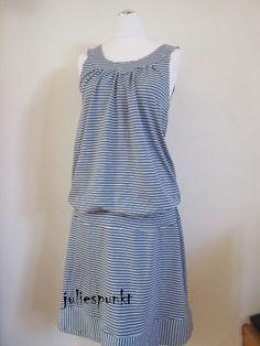 Aus Lady Topas und dem Jersey Sommerrock wurde ein luftiges, bequemes Sommerkleid. Eigentlich bin ich ja nicht so der Kleidertyp, aber vielleicht ändert sich das gerade. Bei dem dauerhaften Sommer …