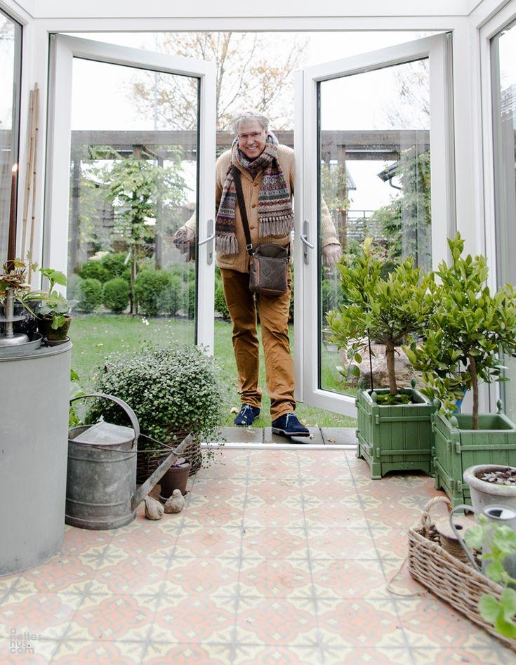 Finn Schjøll har Alba i drivhuset sitt.