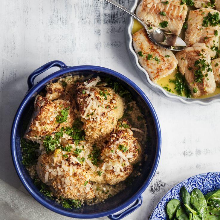 Laga smakpanelens favorit, en härlig rätt med smörstekt torskrygg serverat med ugnsbakad blomkål och potatis. Recept på torskrygg hittar du på Tasteline!
