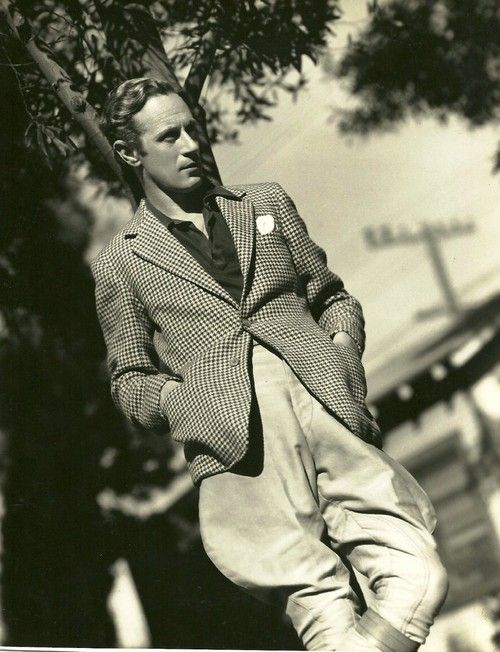 Leslie Howard (my Old Hollywood crush!!)