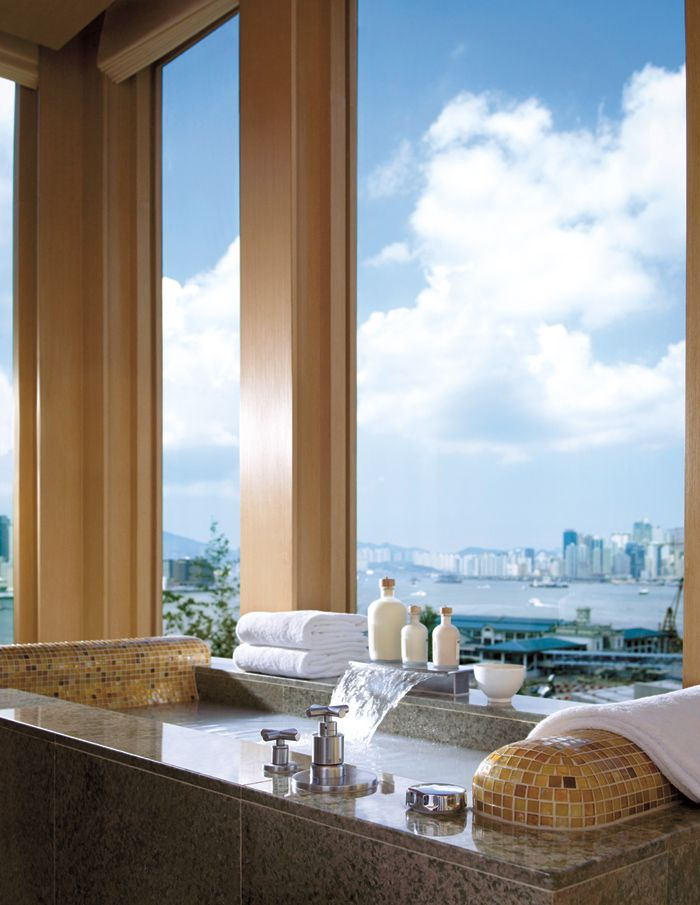 At Four Seasons Hong Kong, guest can relax in the tub and still take in the city sights.
