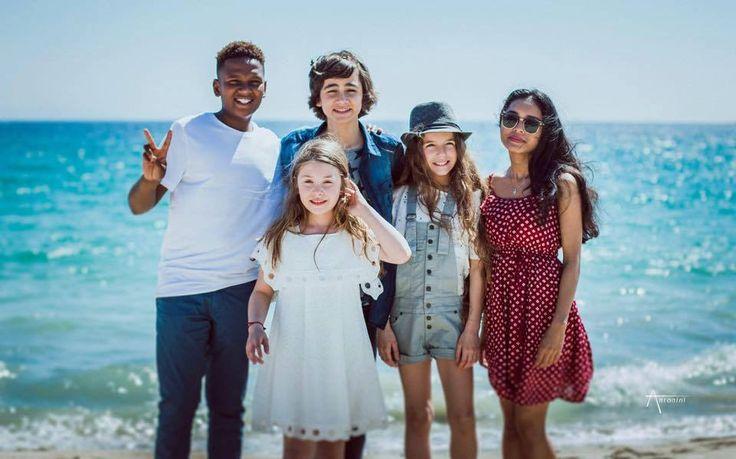 Ezra des Kids United a craqué pour la salopette Nicoli ☀ On adore !!!