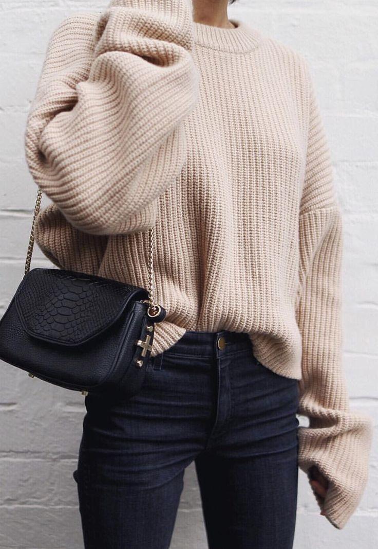 beige jumper + black jeans