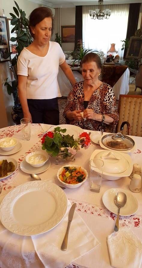 Zühal Yorgancıoğlu'nun yemek masası